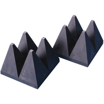 Wide band hybrid pyramide EM absorbere